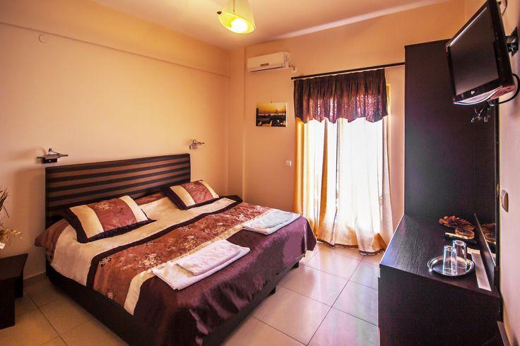 Standard Twin room - Plaza Hotel Aegina island Greece