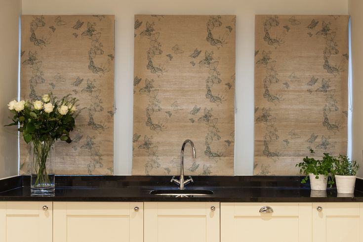 Roman Blinds | Shaker Kitchen | natural curtains | window dressing | butterfly blinds | interior design in London | Kitchen blinds | neutral kitchen |