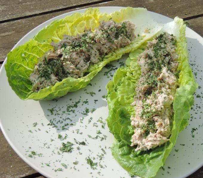 Sla wraps (romeinse sla) met tonijn