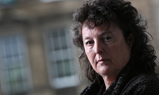 carol ann duffy liar Carol ann duffy's selected poem quiz f connections 1 what writer connects the speakers of stealing and education for leisure 2 name three poems in the collection in which duffy evokes the voice of an animal 3 what are compared to pebbles in liar.