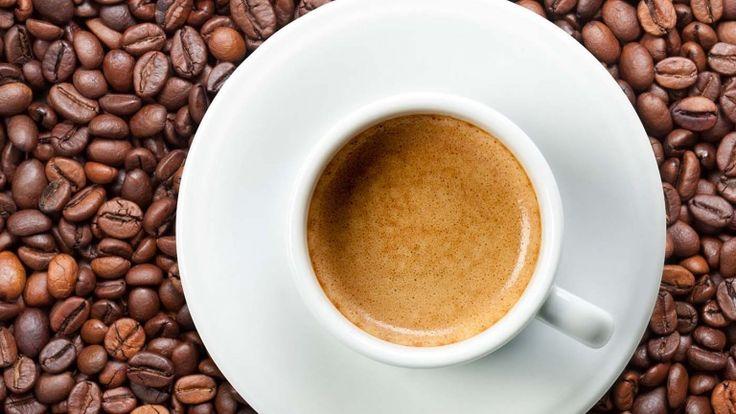 Caffè espresso, ricette estive con il caffè, caffè shakerato con Baileys
