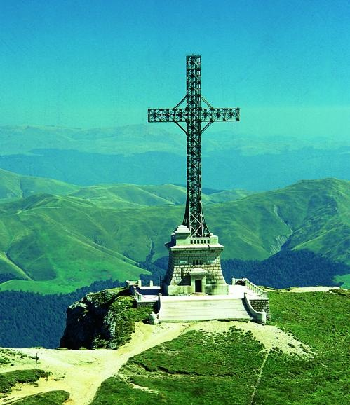 Piatra Arsa – The Cross on Caraiman Mountains – Omu Hut
