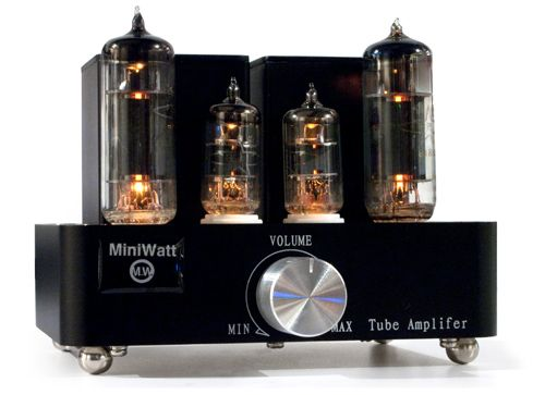 I'm not sure if I could tell the difference between the sound of tube amps and solid state amps, but there's something kind of magical about how the tubes glow.