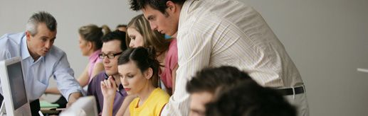 Die BIZ-MitarbeiterInnen des AMS beantworten Ihre Fragen zu Beruf, Aus- und Weiterbildung sowie zu Arbeitsmarkt und Jobchancen.