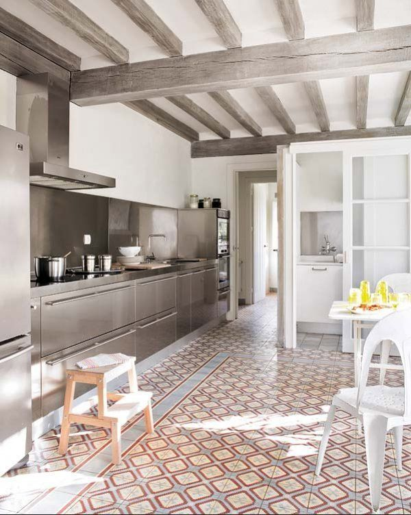 Color beams or wooden beams painted white