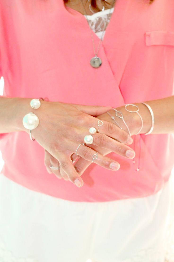 Inspiration bracelet double perle argenté médaille blouse drapée corail bague
