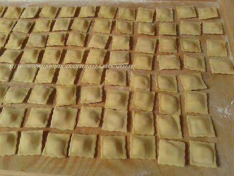 I Ravioli, come si preparano facilmente,Ricetta fatti in casa, 96 ravioli  pronti in 5 minuti - YouTube