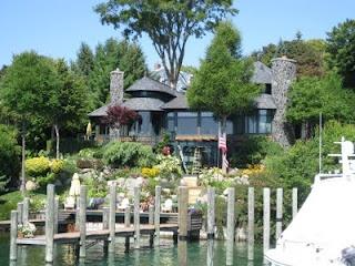 Beautiful Earl Young House