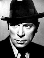 Louis Jouvet est un acteur français, metteur en scène et directeur de théâtre, professeur au Conservatoire national supérieur d'art dramatique, né le 24 décembre 1887 à Crozon (Finistère), mort le 16 août 1951 à Paris. Jules Eugène Louis Jouvet, est né...