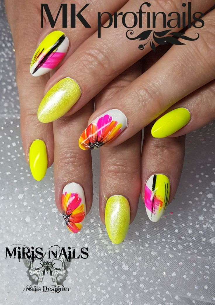 Neonyellow#neon#yellow#crazynails#lovenails#