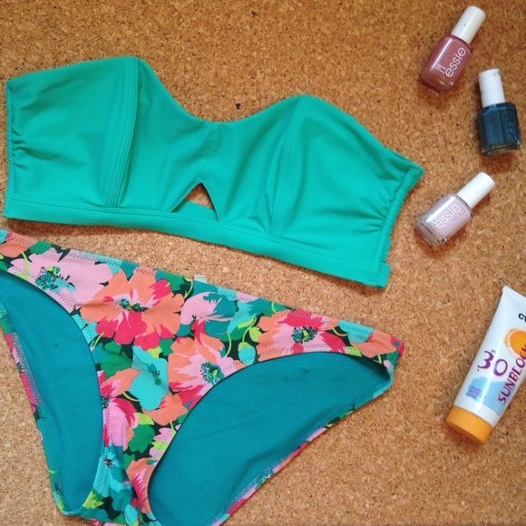 Aerie Floral Bikini Set • Small/Medium Aerie/American Eagle bikini set • bottoms are size small worn once or twice but have several black spots on inside...not sure what from • TOP  is medium BRAND NEW with tags, multiway, removable straps • will sell together or separate • price is for the entire suit aerie Swim Bikinis