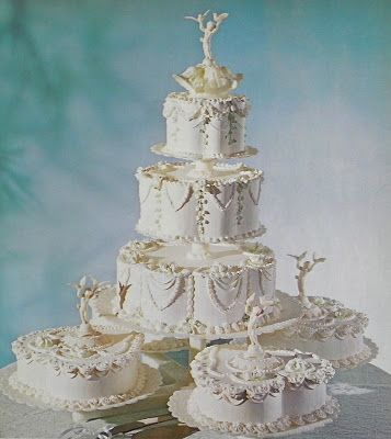 appealing  long Winter Wedding Cakes