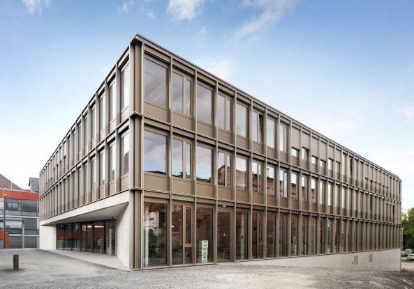 Gründercharme in Kassel - Uni-Neubau von Birk Heilmeyer und Frenzel