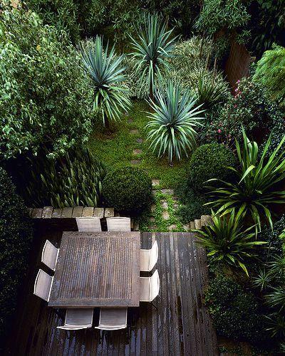 woah! green patio