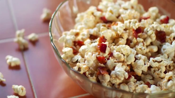 Here's a quickie that only takes less than 15 minutes, with less than 5 ingredients. Make your own yummy bacon Popcorn -- the Holy Grail of popcorn!