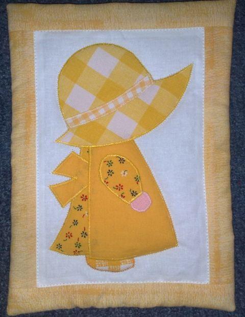 napkalapos Zsuzsi sárgában/Sunbonnet Sue in yellow