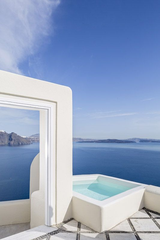 Mesmerising views over the caldera from Canaves Oia Hotel & Suites in Santorini, Greece www.mediteranique.com/hotels-greece/santorini/canaves-oia-hotel-suites/