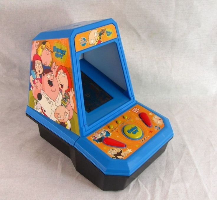 Family Guy Pinball Handheld Video Game Electronic Tabletop Stewie Battery Toy