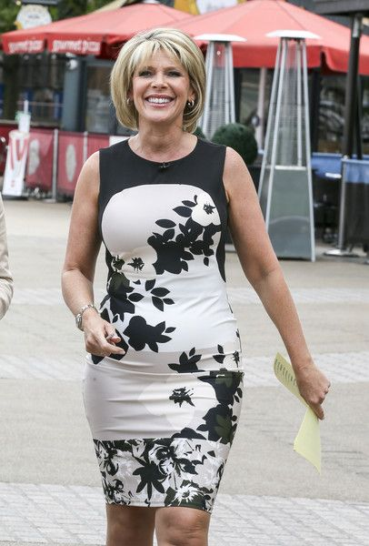 Ruth Langsford Photos - TV presenters Eamonn Holmes and Ruth Langsford are pictured filming with singer Myleene Klass, and actor Adam Richman, on London's South Bank as part of 'This Morning'. - Eamonn Holmes and Ruth Langsford Film 'This Morning'