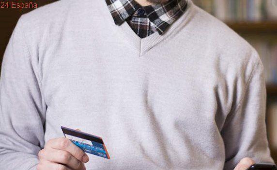 ¿Puede nuestro teléfono móvil dañar la banda magnética de las tarjetas de crédito?