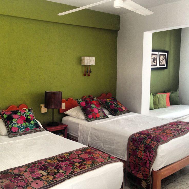Hotel Catedral Vallarta.  Título Habitación : La Gloria eres Tu