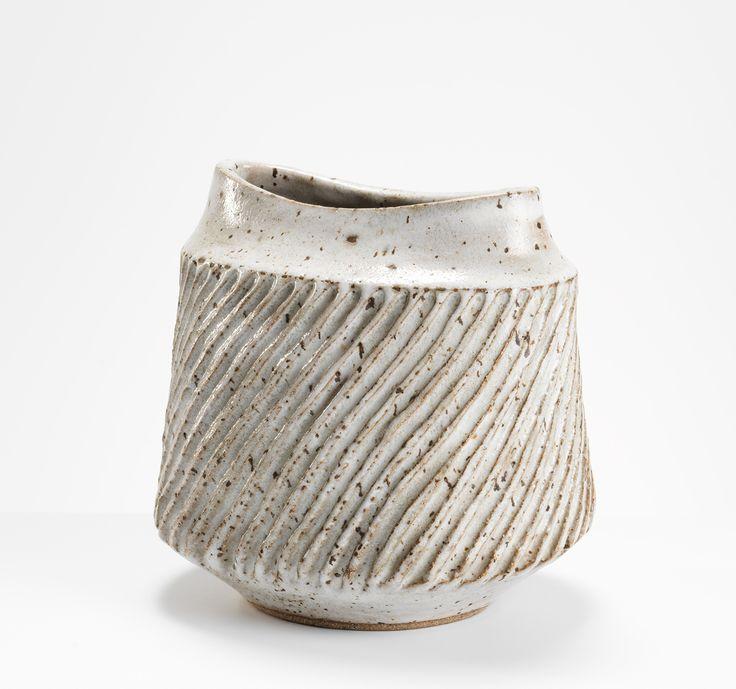 Lucie Rie  Vase, 1960s Stoneware, 18.5 cm (h)