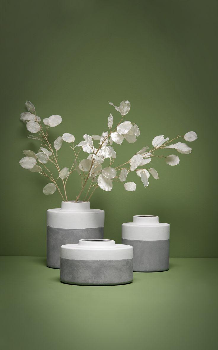 Vaas 101 Dip Dye: vazen van cement met witgeverfde rand. Verkrijgbaar in 3 verschillende formaten