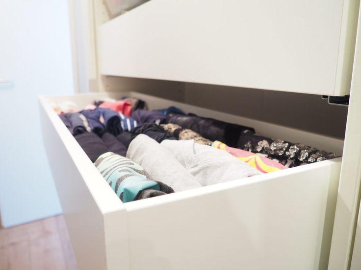 Der perfekte Kleiderschrank - T-Shirts perfekt falten und nie wieder Unordnung in den Schubladen haben!