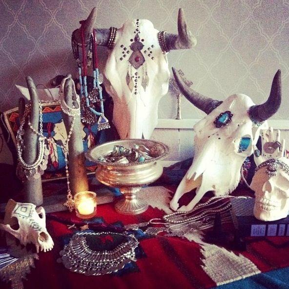 Fun display idea for a Western-themed jewelry display