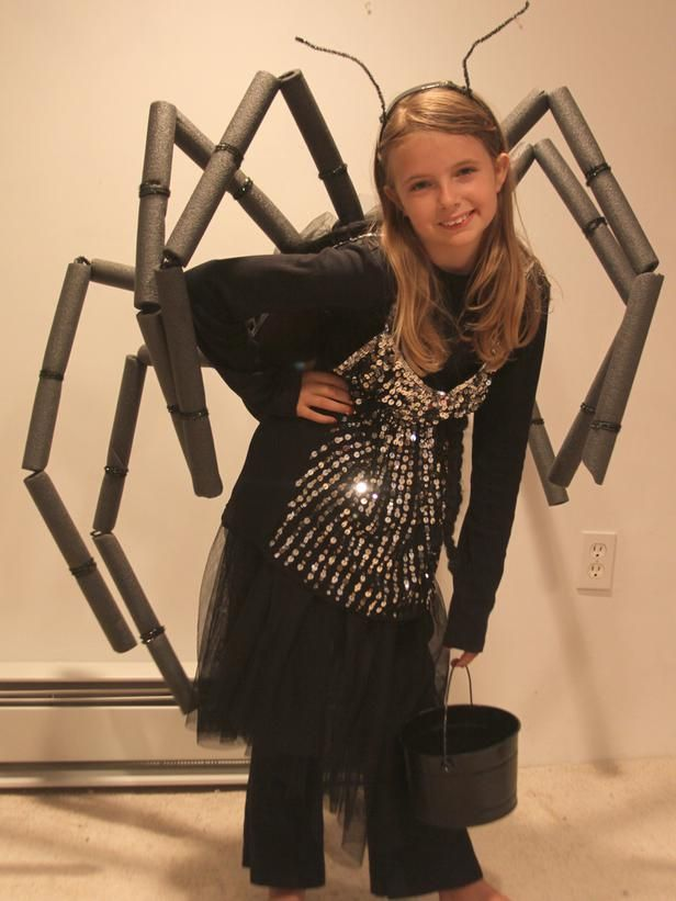 Easy Spider Costume >> http://www.diynetwork.com/decorating/easy-kids-halloween-costume-spider-legs/pictures/index.html?soc=pinterestDiy Costumes, Halloween Spider Costume, For Kids, Diy Halloween Costumes, Diy Spider Costume, Spider Costume Kids Girl, Boys Halloween Costumes Kids, Kids Spider Costume, Costumes Ideas