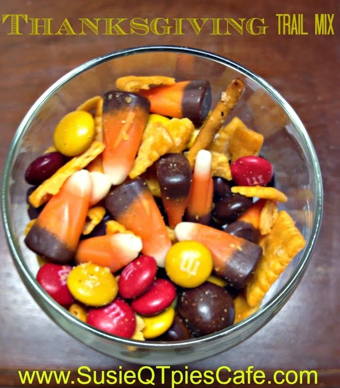 Thanksgiving Trail Mix Recipe with Thanksgiving Appetizers and Thanksgiving Snacks #thanksgiving #Thanksgivingrecipes