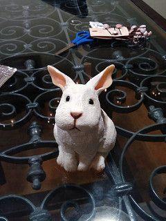 Alicia en el país de las Maravillas Alice in Wonderland  #aliceinwonderland #rabbit #polymerclay #arcillapolimerica #cernit #premo #fimo #handmade #hechoamano #alice #reloj #clock #animal #aliciaenelpaisdelasmaravillas #alice #alicia #conejo #whiterabbit #conejo | por CandeLuna