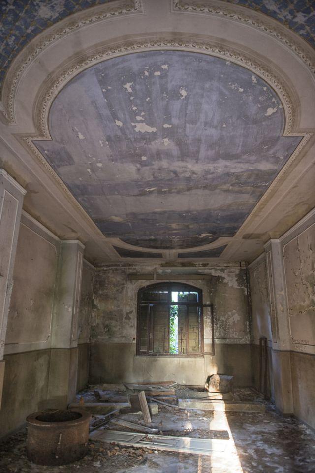 Eerie Poveglia Island, Abandoned for Over 40 Years ...