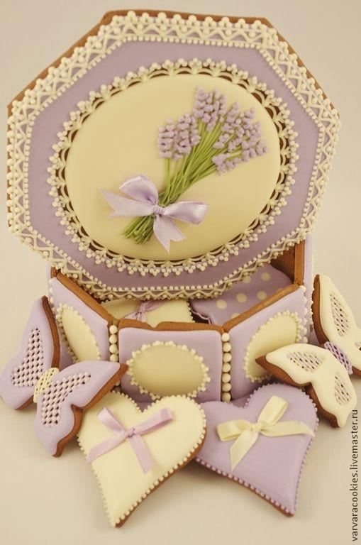 """Купить Пряничная шкатулка """"Лаванда"""" - пряничная шкатулка, пряники расписные, Пряники имбирные, подарок девушке"""