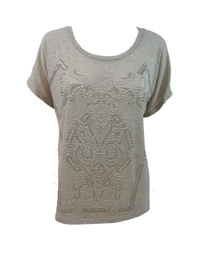 Camiseta tachuelas