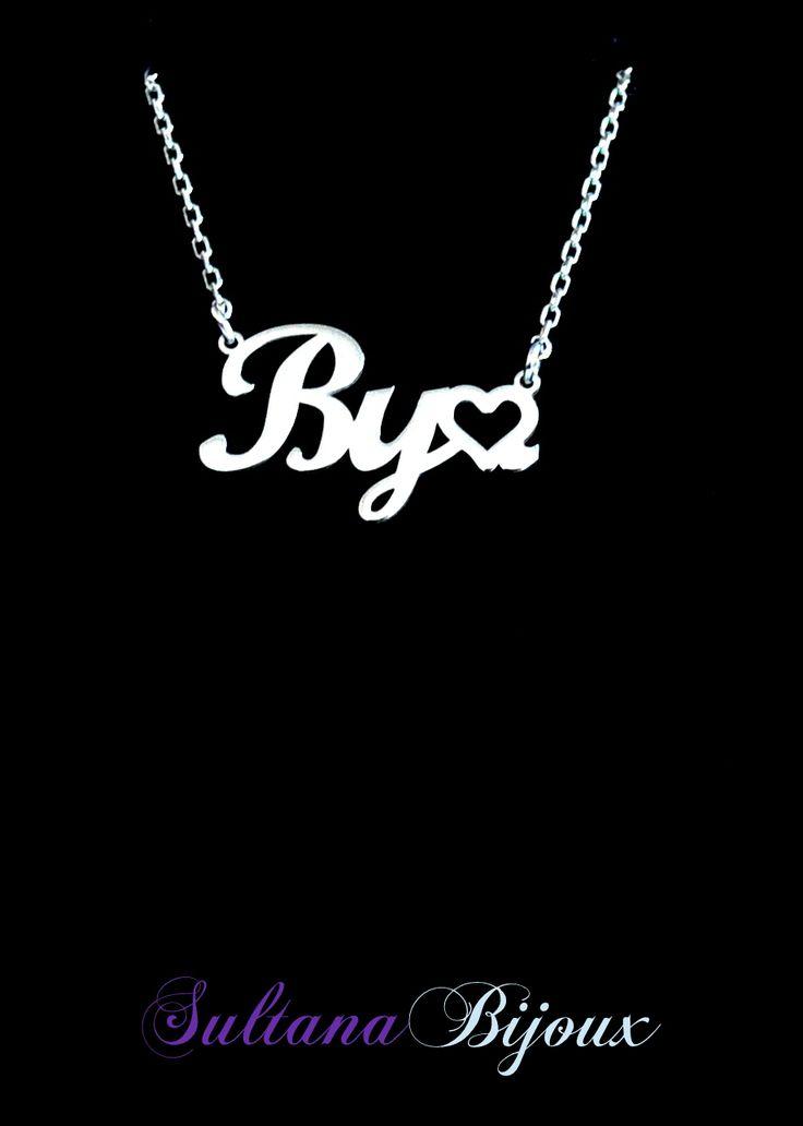 Colier din argint 925 personalizat cu numele By♡.  Realizam la comanda cu initialele alese de d-voastra (nume sau cuvant) Lungime lant: 40 - 45 cm Lantisor reglabil