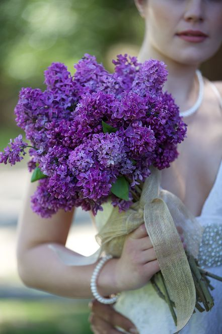 A rustic, purple bouquet | Edith L Photography @Edith L Photography