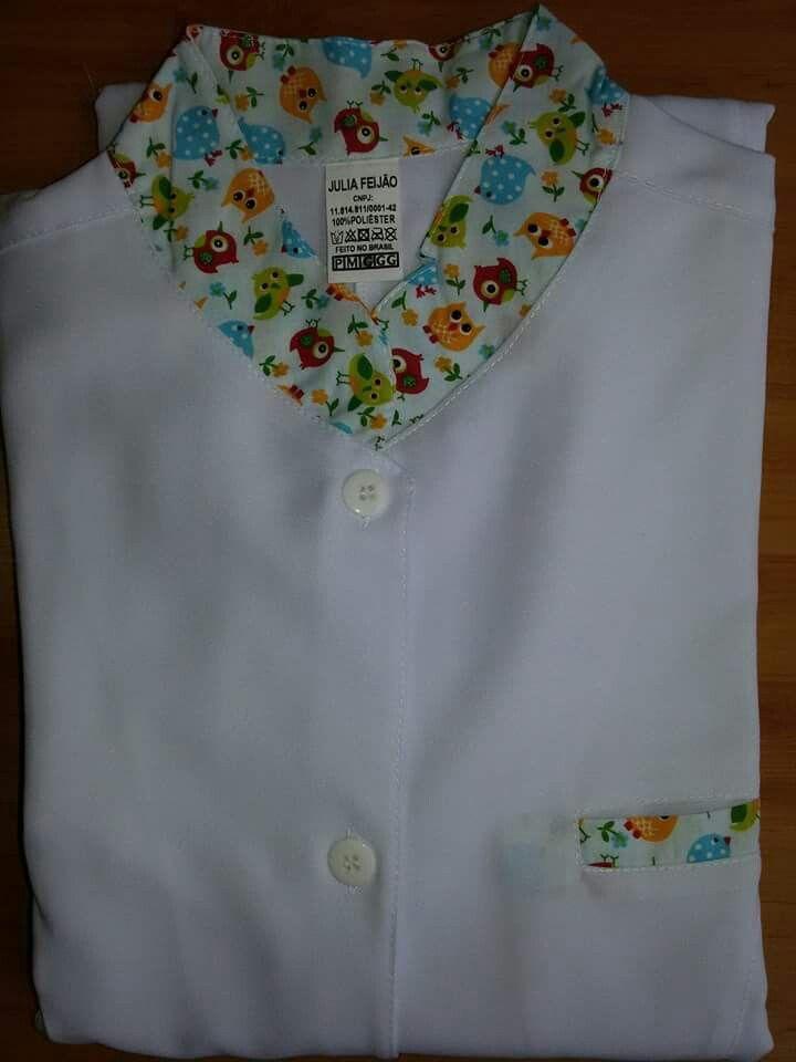 Jaleco Gola Padre Estampado  #labcoat #Uniforms #Fashion #Style #Nurse #Medical #Apparel #rendasetramas