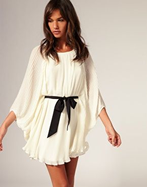 white dress: Summer Dresses, Flowy Dresses, Dream Closet, Cream Dresses, Black Bows, Rivers Islands, Pleated Dresses, The Dresses, White Dresses