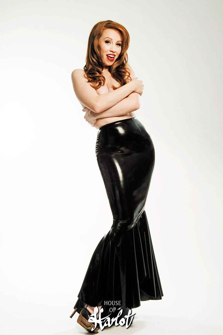 VERONICA Long Latex Flared Skirt…elegant, sexy, gorgeous! Model: Alex Sim-Wise. Photograph © Ester Segarra. Shoes: Natacha Marro. VERONICA is an Exclusive House of Harlot Design by Robin Archer.