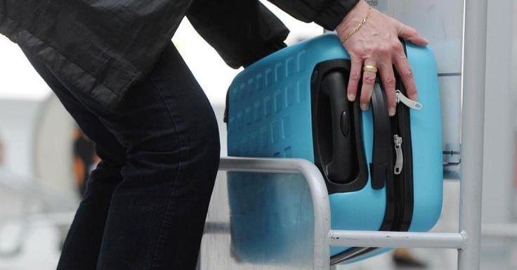 Es ist ein ständiges Ärgernis für Flugreisende: Beim Handgepäck kocht jede Fluggesellschaft ihr eigenes Süppchen. Passagiere müssen Maße, Gewicht und Anzahl der erlaubten Gepäckstücke deshalb vor jedem Abflug prüfen. Entspricht das Bordgepäck nicht den Vorgaben, verlangen die Airlines teils saftige Gebühren.