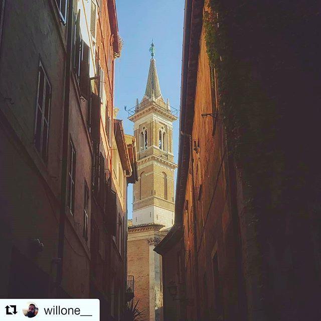 """#Repost @willone__ """"Cè stato un sogno una volta che era #Roma""""  @viadeicoronari #chiostrodelbramante"""