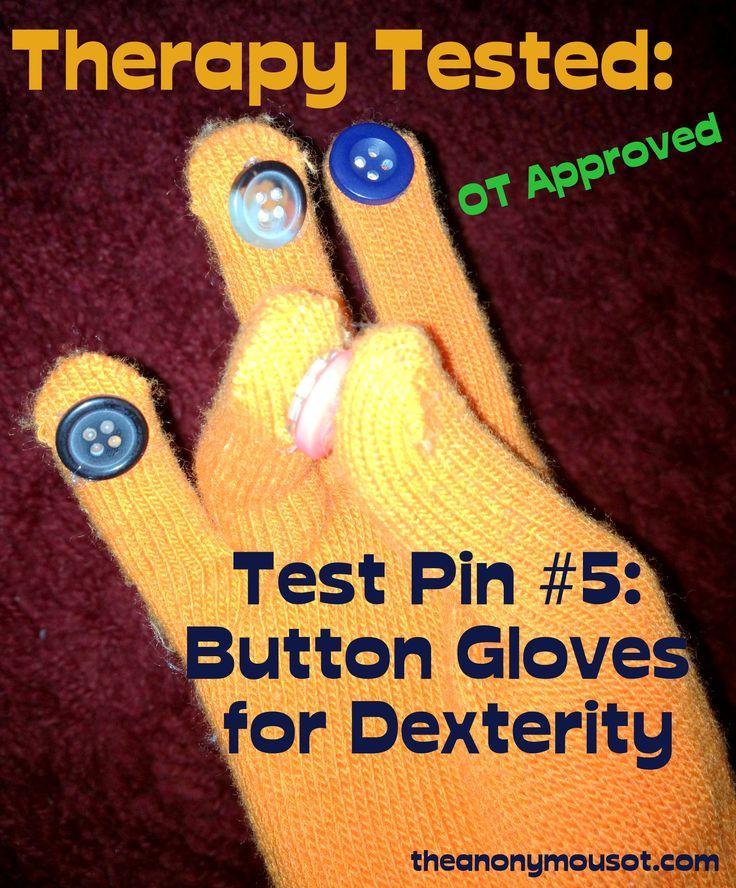 Une idée de #DIY facile à faire !  Coudre des boutons à l'extrémité de gants pour travailler la #motricitéFine ainsi que la dextérité de doigts de votre enfant #OT #handicap #dextérité