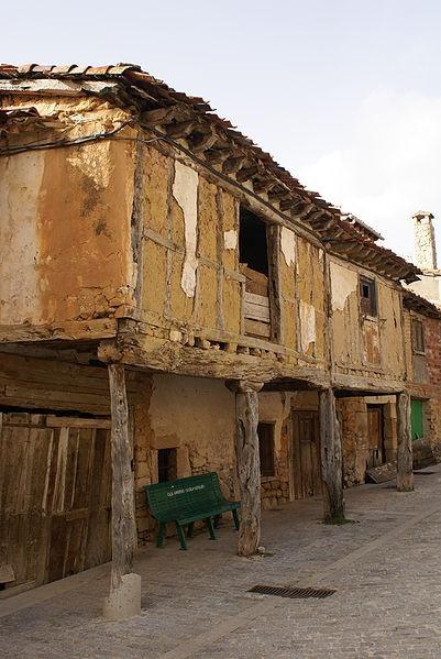 Soportales y casas semihundidas en Santo Domingo de Silos Burgos  Spain