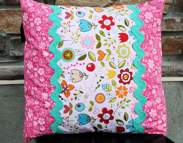 Cute and simple envelope pillow!