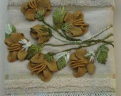 toalha de lavabo com flores de sianinha