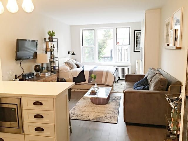 Project by: Melissa Location: Upper East Side — New York, New York My girlfriend Melissa and I purchased a small studio apartment on the Upper East Side of Manhattan in October 2015. With a reasonable renovation budget, our goal was to take this fixer-upper, maximize the space and create a home for us for the next few years.