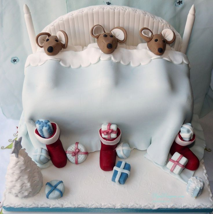 ... , you can have a Santa Claus cake design, Snowman or Christmas tree cake, a cake in the form of a Christmas present.