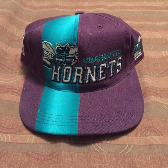 Vintage NBA Charlotte Hornets snapback Official 1997 draft cap. Accessories Hats