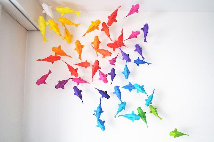 fiskar-origami-papper-papperspyssel-pyssel-pyssla-inredning-inredningsdetalj-pysselrum-barnrum-väggdekoration-dekoration-färgskala